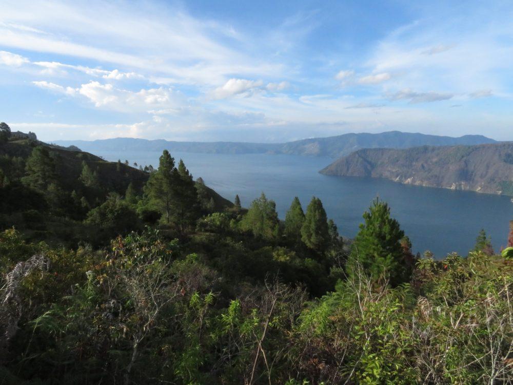 Pohled na jezero Toba, Samosi, Severní Sumatra, Indonésie